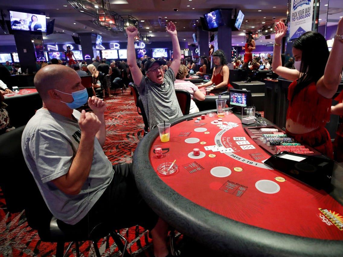 Roliga casino videos 49280